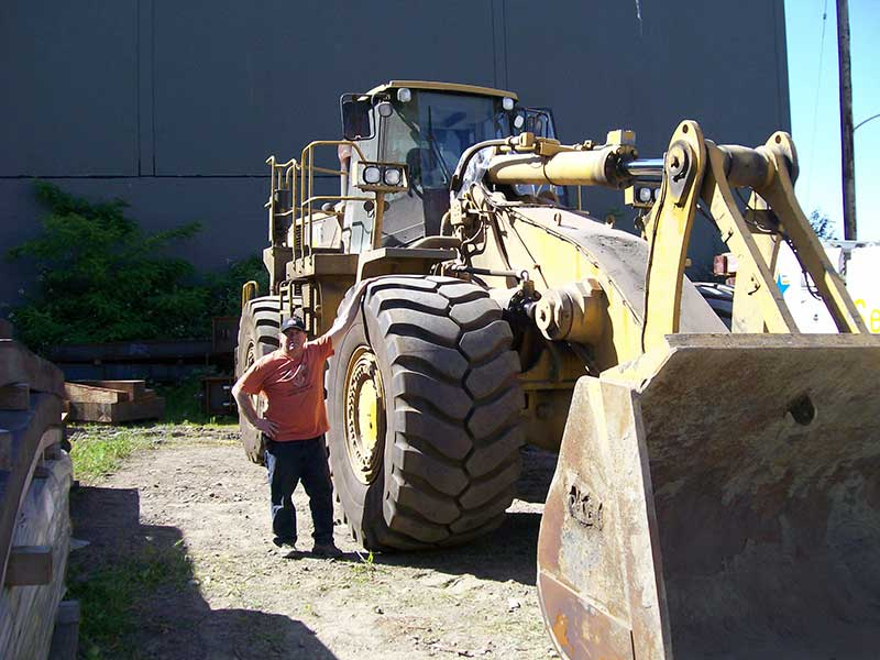 wheel loader pictured here with an Automatic Greasing system